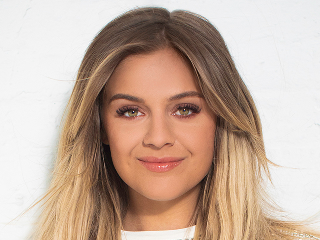 Kelsea Ballerini – homecoming queen?